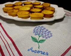 Queijadas De Leite - Portuguese Dessert. These are amazing!!! I could eat the whole platter.