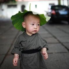 """cultureincart: """" The cute little monk in Xichan Temple, Fuzhou, southeast China's Fujian Province. """" I just have to repost this cute little guy."""