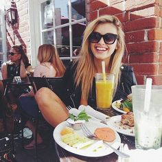 Imagen de girl, food, and hair