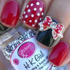 best mini mouse disney nail design I've seen! chic minnie by lalalovenailart