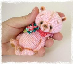 "Mini Thread Crochet Bear ""Peach Sorbet"" 