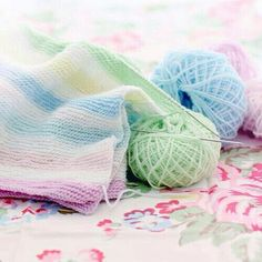 Pastel colours plus white - perfect for a new baby. Knitted in garter stitch. Soft Colors, Pastel Colors, Soft Pastels, Zack E Cody, Pastel Palette, Garter Stitch, Pretty Pastel, Spring Colors, Winter Colors