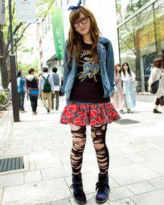 ◆美人スナップ|TOMさん|DAISY LOVERS(デイジーラヴァーズ)Dr.Martens(ドクターマーチン) http://www.bijin-snap.com/2010/05/11/no-72/ #girl_with_glasses #glasses #woman_with_glasses