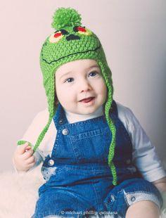 Christmas Grinch crochet earflap hat photo prop by AnaisandAiyla, £16.00