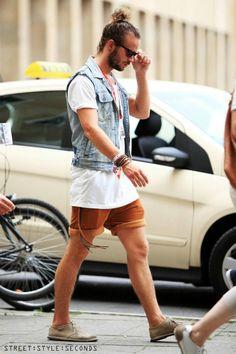 Zara Panta, Zara T Shirt, Zara Jeans Vest, Kickers Shoes Tomboy Fashion, Denim Fashion, Look Jean, Hipster Looks, Grunge, Jeans Outfit Summer, Mens Trends, Sartorialist, Street Style