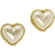 Pre-owned Chanel Vintage Pearl Heart Earrings ($345) ❤ liked on Polyvore featuring jewelry, earrings, fake jewelry, heart earrings, pre owned jewelry, 80s fashion and chanel earrings