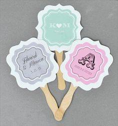Abanicos para bodas con monogramas e iniciales