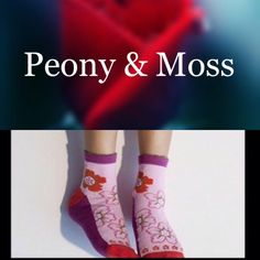 ❣2 For $10❣Peony & Moss Flower Toes Ankle Socks Brand new in package luxuriously comfortable and stylish floral pattern ankle socks by Peony & Moss. ✔️ Smoke and pet free home Peony and Moss Accessories Hosiery & Socks