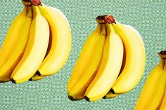 La banane, ce fruit jaune et sucré. On peut la manger, mais on peut également en faire bien d'autres usages. Son épluchure ou ses feuilles sont en effet utilisables dans divers domaines tels que le jardinage, les soins de beauté, la santé, la cuisine ou pour lenettoyage. Dans le jardin: Coupez en petits morceaux l'épluchure …
