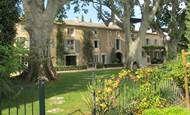 e Mas des Trois Platanes, Luxury Villa, France Villa France, Places To Rent, Luxury Villa, Provence, Townhouse, Mansions, House Styles, Luxury Condo, Terraced House
