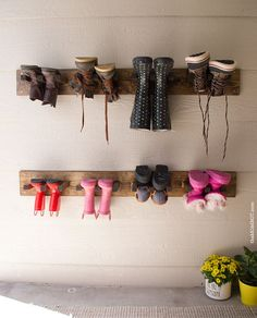 New hanging shoe storage diy boot rack ideas Outdoor Shoe Storage, Hanging Shoe Storage, Diy Shoe Storage, Hanging Shoes, Boot Storage, Diy Shoe Rack, Diy Garage Storage, Shoe Racks, Garage Organization