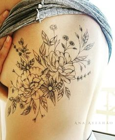 Photo by (rahulprashad) on Instagram | #tattoo #tatuagemfeminina #tatuagensfemininas #tattoodelicada #tracosfinos #tattoos #flowers #flores