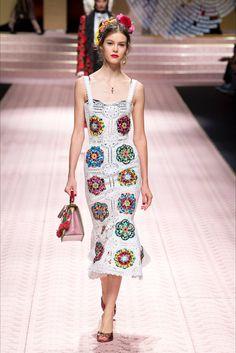 Sfilata Dolce   Gabbana Milano - Collezioni Primavera Estate 2019 - Vogue  Settimana Della Moda Di e9c4b3b6375