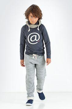 Mooie kwalitatieve sportieve jongens tops shop je online bij kinderkleding label TOPitm