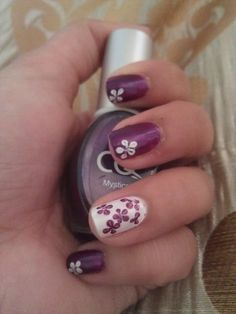 Beautiful nail design for summer.