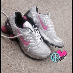 Nike Shox  Nike SHOX Running Shoe  Size 7.5 (TTS)  Silver with Pink ✌ Very Good Preloved Condition these are really CLEAN inside & out ✌️ Question? Please ask    NO TRADE Nike Shoes Athletic Shoes