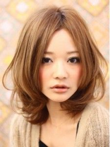 medium with layers, long in the back Asian Hair Wavy, Wavy Hair, Medium Hair Styles, Short Hair Styles, Cabello Hair, Hair Arrange, Hair Color And Cut, Salon Style, Layered Haircuts