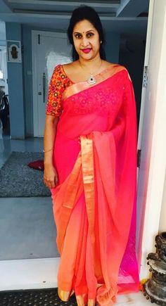 Madhuri Atluri Organza Saree, Silk Sarees, Indian Wife, Good Color Combinations, Silk Saree Blouse Designs, Stylish Sarees, Red Saree, Casual Saree, Beautiful Girl Indian