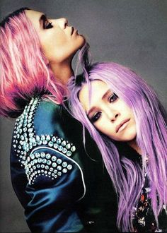 mary-kate and ashley olsen. love their pastel hair. wish i could do this, but it's not easy for us with naturally black hair! Mary Kate Ashley, Mary Kate Olsen, Olsen Sister, Olsen Twins, Sister Sister, Pastel Hair, Purple Hair, Pink Purple, Violet Hair