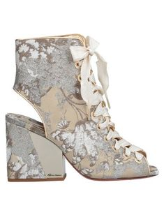 Brocade Leather Logo Floral design Laces Open toe Square heel Covered heel Leather lining Leather/rubber sole Laminated effect Contains non-textile parts of animal origin Large sized Shoe Boots, Ankle Boots, Shoes, Open Toe, Bridal Heels, Textiles, Fibre Textile, Soft Leather, Beige