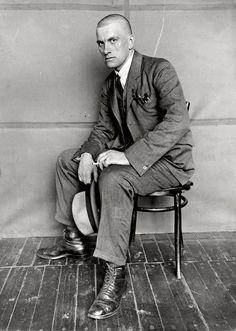 Alexandr RODCHENKO :: Portrait of Vladimir Mayakovsky, 1924