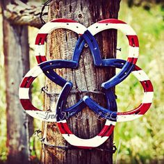 Beautiful hand painted rustic red, white and blue horseshoe star wreath. Do to the individual attention each item receives, not all items are exactly the same. Horseshoe Wreath, Horseshoe Art, Beautiful Hands, Washer Necklace, Hand Painted, Wreaths, Rustic, Stars, Red