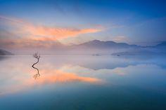 日月潭 Sun Moon Lake by samyaoo 山姆搖, via Flickr