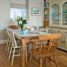 Country dining room with blue glassware | Cornwall modern country house | House tour | PHOTO GALLERY | Country Homes and Interiors | Housetohome.co.uk