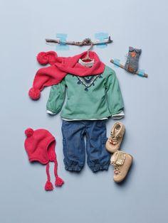 T-shirt à #sequins + Ensemble #bonnet, écharpe et #moufles + #Jean coupe boule + #Bottines bébé - Collection automne hiver 2014 - www.vertbaudet.fr