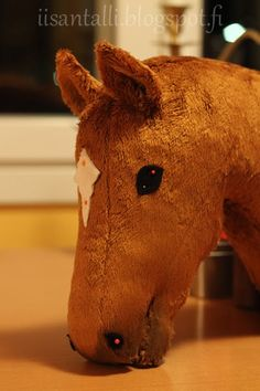 Horse Stables, Horse Tack, Sewing Stuffed Animals, Dinosaur Stuffed Animal, Fun Crafts, Diy And Crafts, Stick Horses, Horse Pattern, Horse Crafts