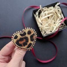 54 ideas crochet jewelry earrings beads for 2020 Wire Jewelry Earrings, Bead Jewellery, Jewelry Making Beads, Beaded Earrings, Beaded Jewelry, Jewelery, Bead Embroidery Patterns, Bead Embroidery Jewelry, Beaded Embroidery