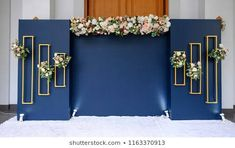 wedding backdrop with flower and wedding decoration Wedding Backdrop Design, Wedding Stage Decorations, Flower Decorations, Table Decorations, Candlestick Centerpiece, Flower Backdrop, Stage Design, Facon, Wedding Blog