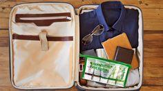 Megfelelő útitárs akár a repülőn is A Forever Travel Kit megoldotta az utazás közbeni tisztálkodásunkat. Öt termék egy praktikus neszesszerben. Tényleg fel lehet vinni repülőre? #gabokakucko