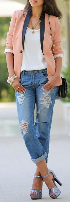 Stylish look with denim ripped jeans Cool Outfits, Fashion Outfits, Womens Fashion, Fashion Trends, I Love Fashion, Spring Fashion, Up Girl, Mode Inspiration, Boyfriend Jeans