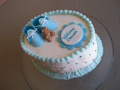 AMAZING BUTTERCREAM FROSTING BABY SHOWER CAKES | Golden Butter cake with buttercream icing - gumpaste decorations.
