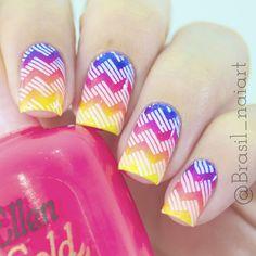 Degrade Neon nail art by Brasil_nailart Cute Nail Polish, Nail Polish Designs, Cute Nail Designs, Cute Nails, Pretty Nails, Neon Nail Art, Crazy Nail Art, London Nails, Manicure Y Pedicure