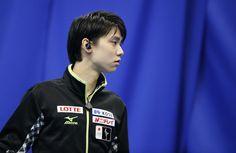 http://www1.pictures.zimbio.com/gi/Yuzuru+Hanyu+ISU+Grand+Prix+Figure+Skating+F9DP65XAcojx.jpg