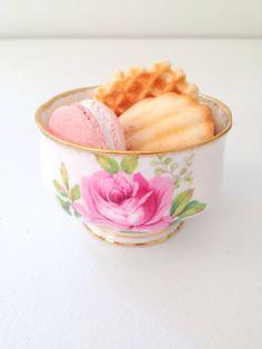 Vintage Sugar Bowl American Beauty Pattern