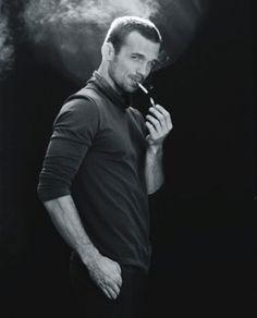 Cam Gigandet smoking cigarette  #CamGigandet #smoking #cigarette  @mencigarettes