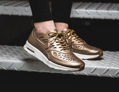 Le pack Nike Wmns Air Max Thea Joli 'Metallic' post image