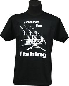 """Kolejna z serii karpiowych koszulek Biggie. Tym razem model """"More Than Fishing""""."""