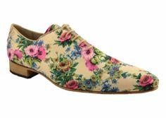 Waaahhh, mijn innerlijke Gerard (kinderen geen bezwaar) komt naar boven bij 't zien van veel van deze schoenen...