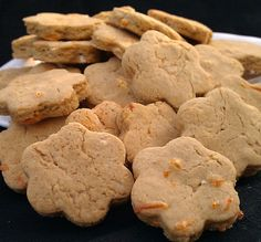 Steak and Cheese Snacks your dog will fall in love with!  Each adorable treat is hand cut and made with Organic Oat Flour, Cheddar Cheese, and our homemade beef broth. Oat Flour is Gluten Free and perfect for pups with food sensitivities. These Gourmet Dog Cookies make a great gift for any pup! $6.50 for 4.5oz Bag. Click here for more tasty, healthy treats, cookies, and sublime indulgences your pup will absolutely LOVE!  www.barkinbonesbakery.com