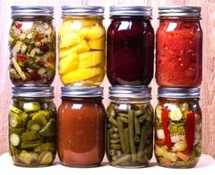 It's all about home canning today, and some important do's and don'ts. If you're like me, you love seeing all those jars lined up on our food storage shelves. Home Canning, Canning Jars, Canning Recipes, Mason Jars, Canning Vegetables, Veggies, Pressure Canning, Dehydrated Food, Dose