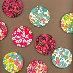 Gorgeous Liberty Fabric covered Mirror Liberty Art Fabrics, Liberty Of London Fabric, Liberty Print, Scrap Fabric, Fabric Scraps, Sewing Crafts, Sewing Projects, Diy Crafts, Shabby