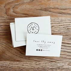 Be Wild Studio☽ Nicole & Co sur Instagram: Business cards for our family project @fourflyaway ★ — #businesscard #businesscards #bewildstudio #creativefamily #traveltheworld… Studio Design, Buisness, Business Cards, Place Card Holders, Creative, Projects, Instagram, Lipsense Business Cards, Log Projects