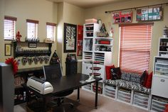 How To Create A Craft Room: How To Create A Great Craft Room, How To Create A Craft Room In A Small Space.need this and home office together. Craft Room Design, Craft Room Decor, Craft Room Storage, Home Decor, Craft Rooms, Storage Ideas, Bench Storage, Storage Cubes, Hanging Storage
