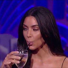 Kardashians Mood Kardashians Stimmung Halloween Make-up Halloween Make-up der Jahre Memes Lol, Cute Memes, Stupid Memes, Meme Meme, Kardashian Memes, Kardashian Workout, Meme Faces, Funny Faces, Reaction Face