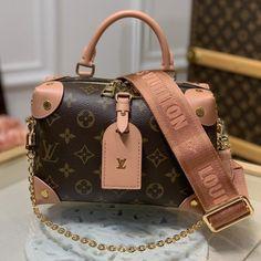 Lv Handbags, Louis Vuitton Handbags, Louis Vuitton Speedy Bag, Luxury Purses, Luxury Bags, Lv Luggage, Popular Handbags, Monogram Canvas, Fashion Bags