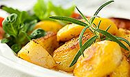 This baked rosemary potato recipe is so quick and easy to put together. The flavor of the rosemary, combined with the olive oil and seasonings, make this a very tasty dish. Baked Rosemary Potatoes Recipe from Grandmothers Kitchen. Potato Recipes, Vegetable Recipes, Vegetarian Recipes, Cooking Recipes, Healthy Recipes, Enjoy Your Meal, Rosemary Potatoes, Cooking Green Beans, Yummy Veggie